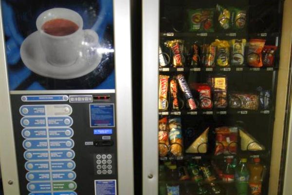 Установка кофейных и снэковых автоматов в магазинах и офисах