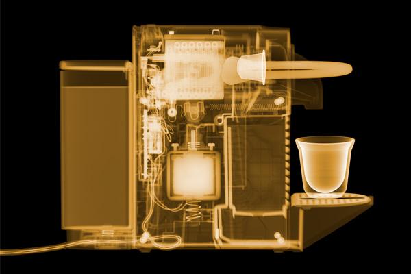 Рентгеновский фото-снимок ультракомпактной кофемашины Pixie Nespresso