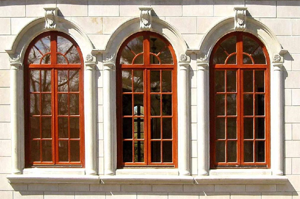 Деревянные окна для дома из бруса