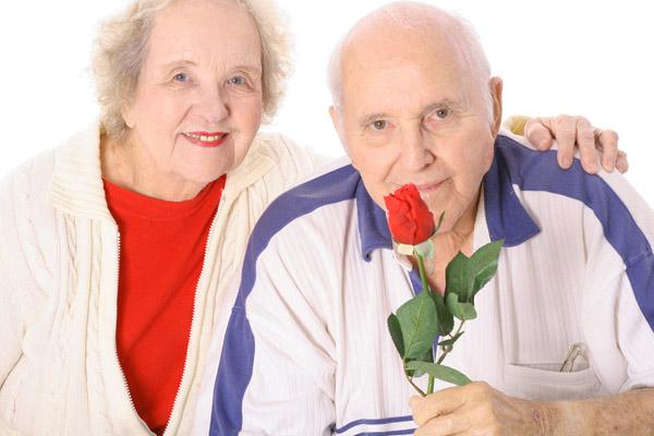 Возможно ли  взять кредит пенсионеру?