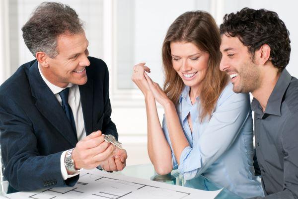 Ипотечный брокер: за и против