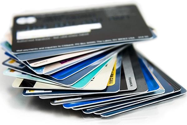 Почему нас стараются приучить к банковским картам?