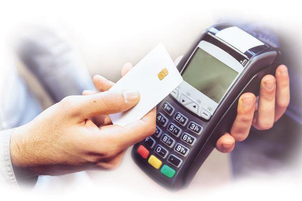 Стоит ли использовать кредитную карту для повседневных покупок?