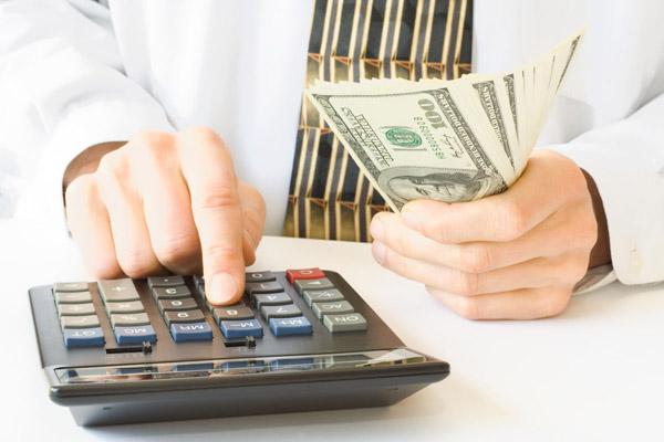 Кредиты до зарплаты. Запретить или искать компромиссы?