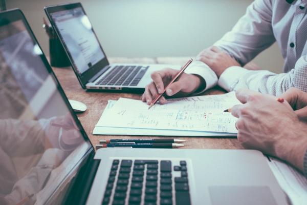 Стоит ли занимать деньги на бизнес и как это сделать?