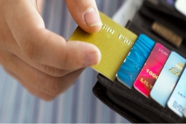 Могут ли навредить кредитной истории несколько кредитных карт?