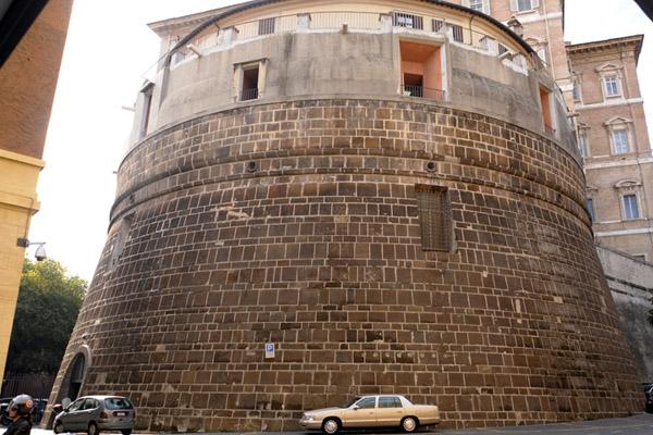 Банк Ватикана под подозрением Ч.1