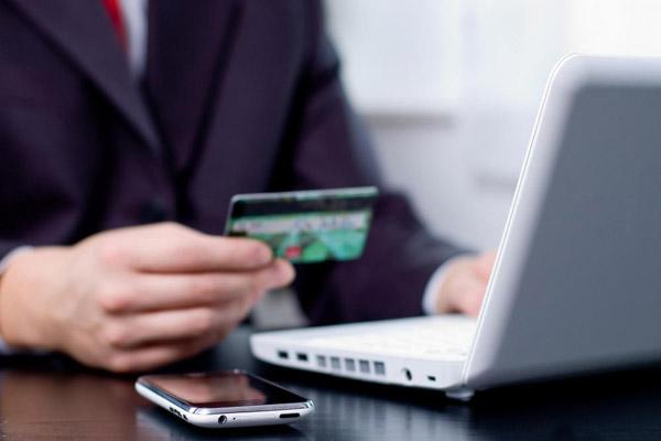 Проблемы, которые может спровоцировать автоплатеж с карты