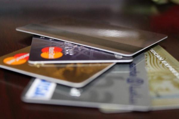 Предоплаченная карта: тот же «пластик», только не кредитный