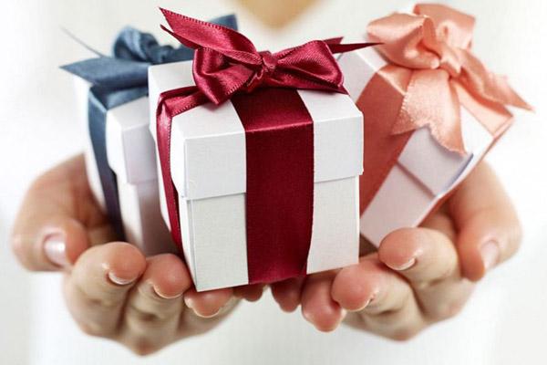 Как купить подарки на новый 2017 год в кредит