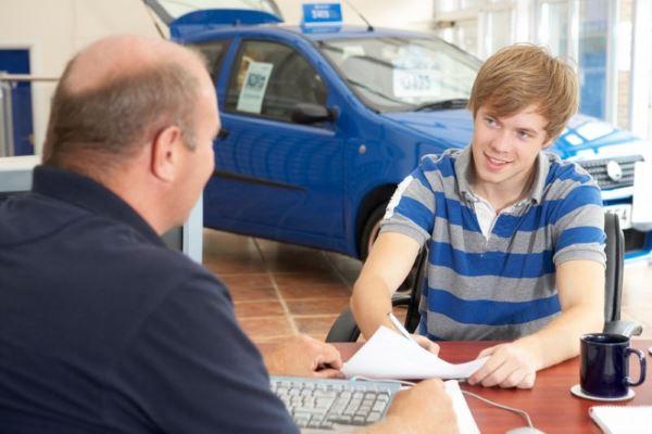Как купить авто в кредит, если это ваша первая машина?