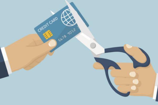 Что делать, если накопились долги по кредитным картам?