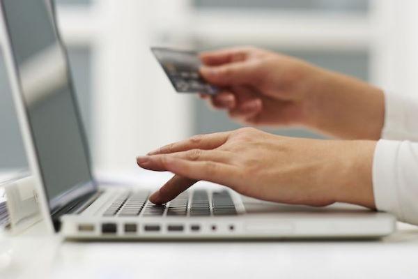 Почему банки предлагают кешбек по кредитным картам