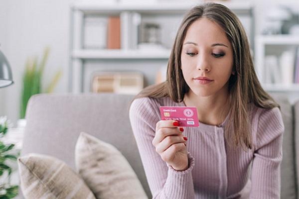 Как научить подростка правильно использовать кредитную карту