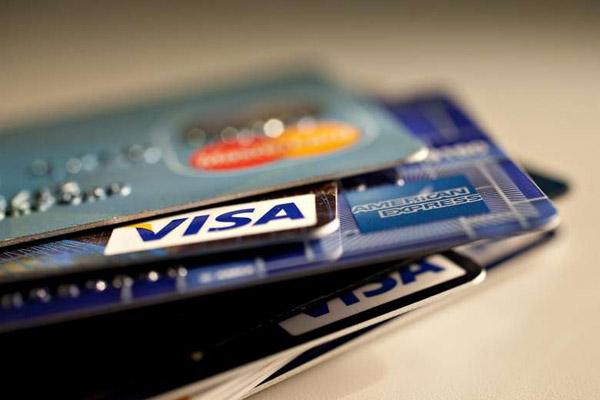 Чем выгодна кредитная карта банку-эмитенту