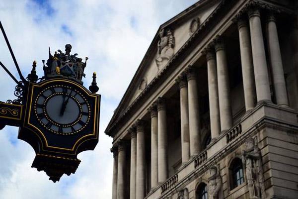 Банк Англии в дефляцию не верит