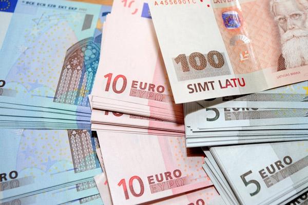 Зачем принимали евро в Литве?