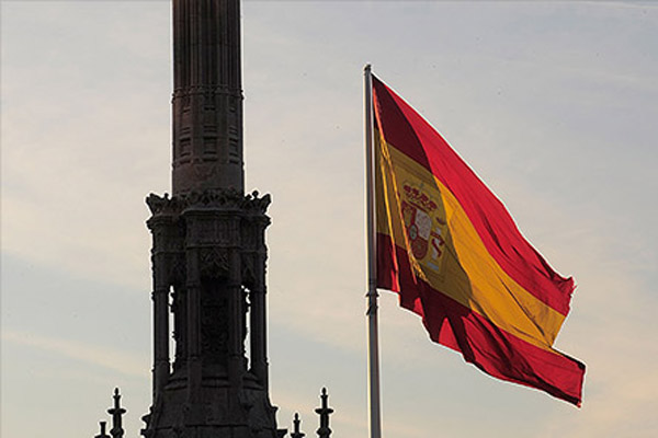 Парадоксальная экономика Испании или Почему страны на грани дефолта занимают дешевле, чем США?