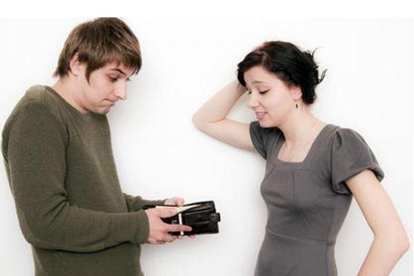 Как дать денег в долг другу?