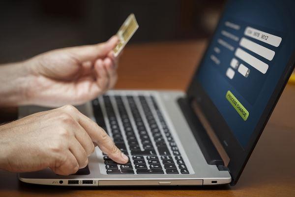 Как обезопасить кредитную карту в интернете