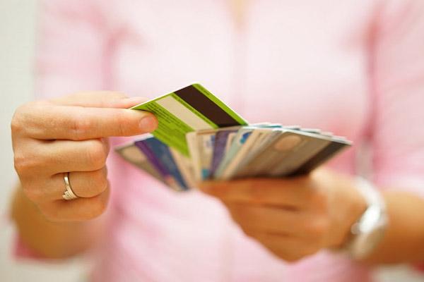 Стоит ли вам получить вторую кредитную карту?