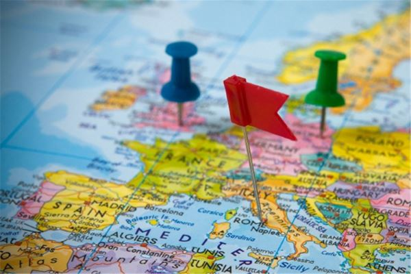 Поездка в Европу: наличные или карта?