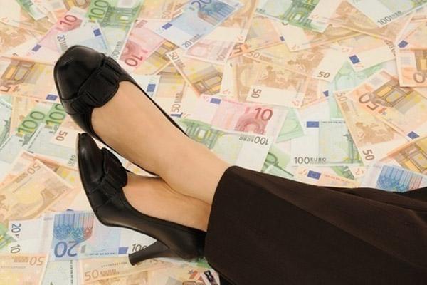 Насколько женщина и деньги – несовместимые понятия?