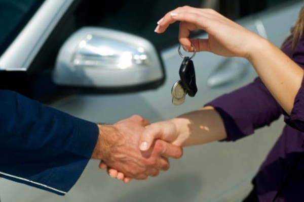 Где и на каких условиях можно получить заем под залог машины?