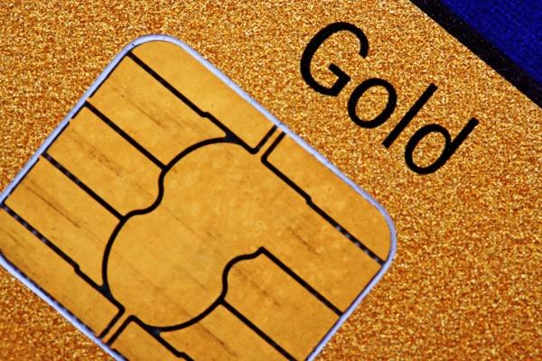 Что дает своему держателю золотая кредитная карта?