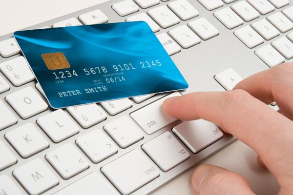 Как использовать кредитную карту  для оплаты покупок в онлайн-магазинах?