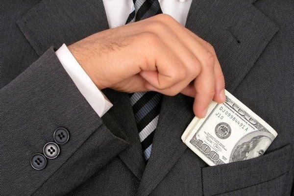 Арест имущества должника как радикальный способ взыскания кредитной задолженности