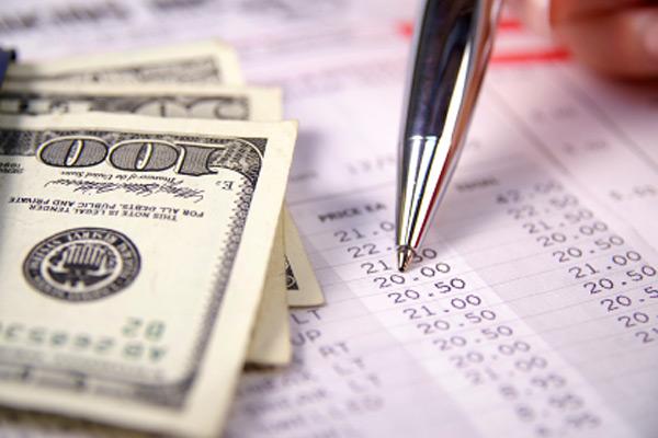 Какие банковские комиссии могут грозить пользователю заемных средств?