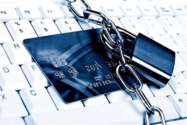 Почему банки блокируют кредитки?