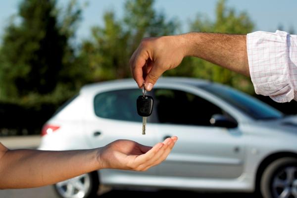 Может ли банк отобрать автомобиль купленный в кредит?