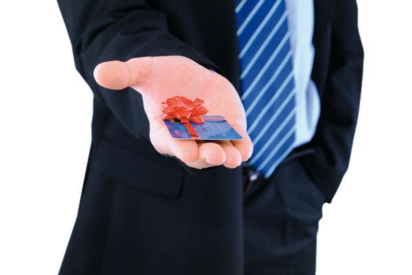 Кредитная карта для пенсионеров: условия получения и использования