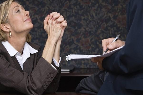 Как себя вести при встрече с представителем коллекторского агентства?