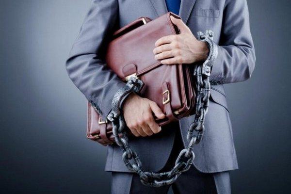 Что делать бизнесмену, если денег нет, а долг в банке растёт.
