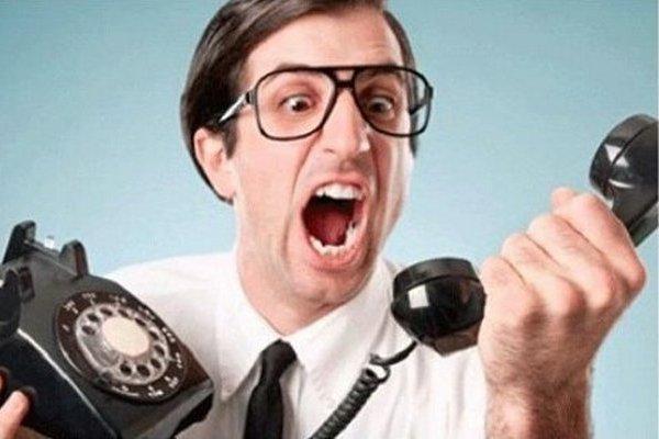 Нежданные звонки из банка: почему это происходит и что делать клиенту?