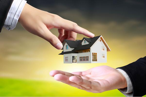 Что выгоднее: копить на жилье или оформить ипотеку?