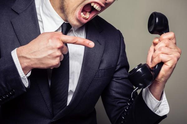 Как быть должнику, которому угрожают по телефону?