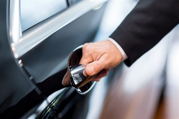 Как выгодно купить машину: лизинг или автокредит.