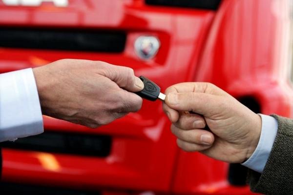 Как купить грузовик в кредит.