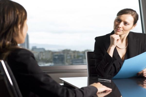 Профессиональная помощь юриста: за и против