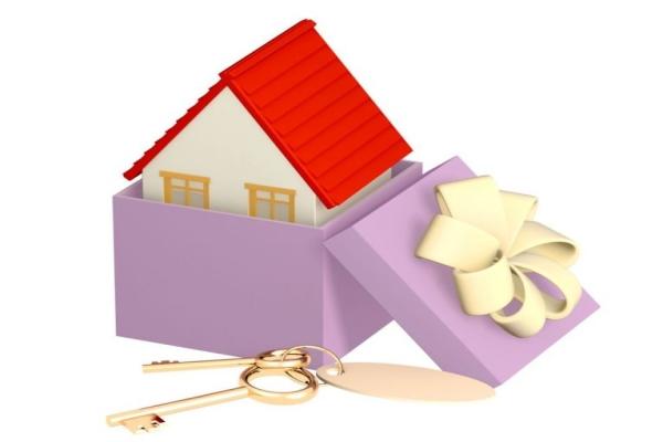 Какой вариант выбрать:  составление завещания или оформление дарственной на недвижимость?
