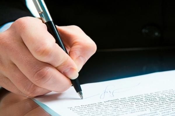 Изменение фамилии несовершеннолетним лицом: порядок проведения процедуры