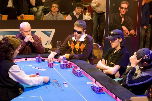 заработать на игре в покер