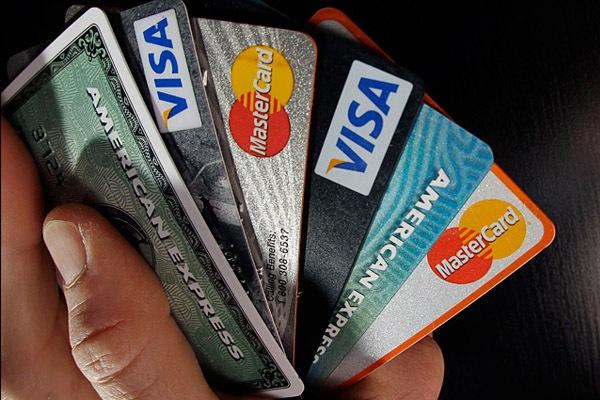 Кредитные карты банков против наличных кредитов – что лучше?