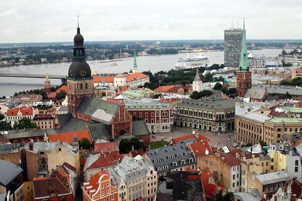Латвия - одной ногой в еврозоне