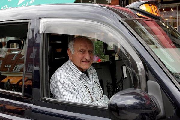 Можно ли взять автокредит пенсионеру?