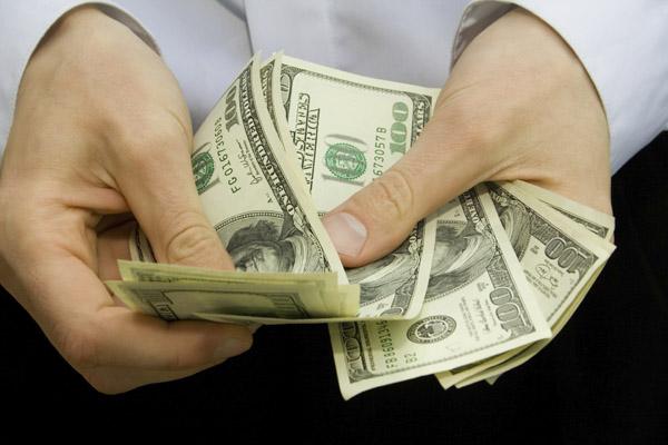 Когда стоит взять кредит без справок и поручителей?